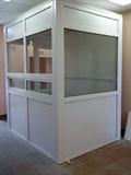 Монтаж ПВХ перегородки с однокамерным стеклопакетом,с дверью 2*2,1