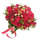 Свадебный букет из роз и гиперикума